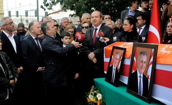 İlk Tören Sarayönü'nde Partide...