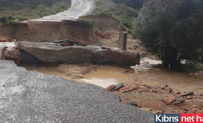 İskele Karpaz Bölgesinde Aşırı Yağış Hayatı Ve Ulaşımı Olumsuz Etkiliyor