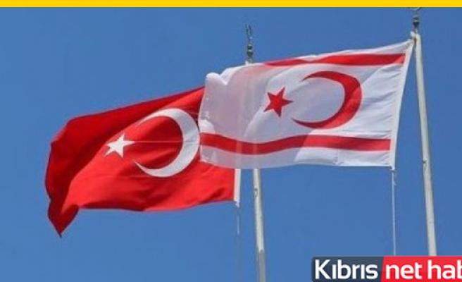 KKTC bayrağı göndere çekildi