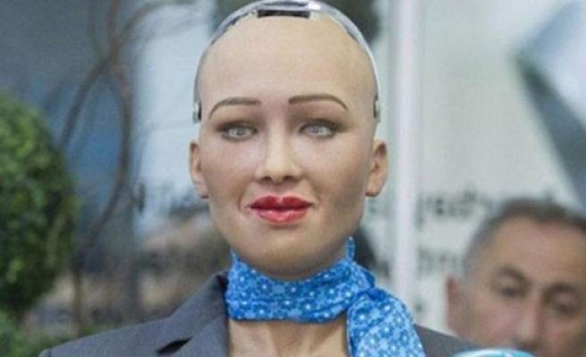"Robot ""Sophia"" Güney Kıbrıs'ta"