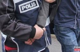 Çatalköy'de Hırsız Ev Sahiplerine Yakalandı
