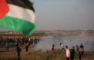 İsrail askerleri Gazze'de bir Filistinliyi şehit...
