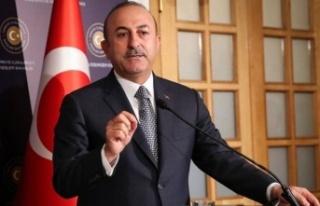 Akıncı seçim zamanı Türkiye'yi malzeme etmeye...
