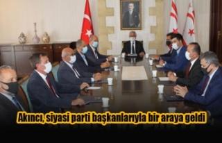 Akıncı, siyasi parti başkanlarıyla bir araya geldi