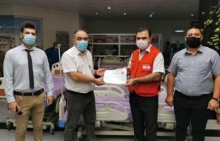 Kuzey Kıbrıs Türk Kızılay'ından hastanelere...