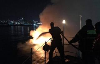 Girne yat limanı'nda bir yatta patlama ve yangın