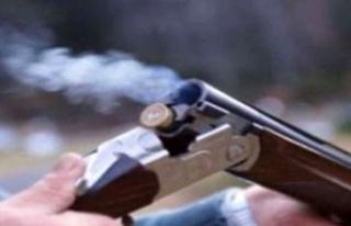 Kanunsuz silah ve fişek taşıyan iki kişi tutuklandı