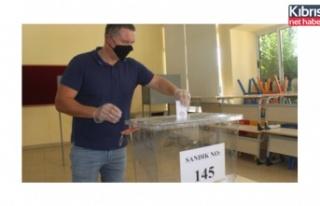 Oy verme tamamlandı, resmi sonuçlar saat 19.00'da...