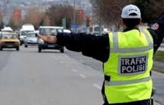 Trafikte 891 sürücü hakkında ileri işleme gidildi