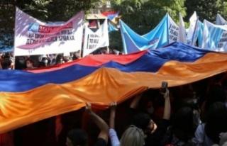 Ermenistan'da Paşinyan karşıtı protestocular...