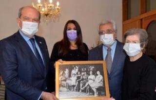 Cumhurbaşkanı Tatar Kamuran Celal Tarhan'ı evinde...