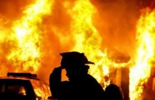 Gazimağusa'da bir marketin deposunda yangın...