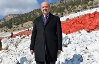 Tatar, KKTC bayrağının boyanma çalışmalarını...