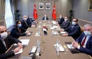 Oktay, KKTC Ekonomik Örgütler Platformu üyeleriyle...