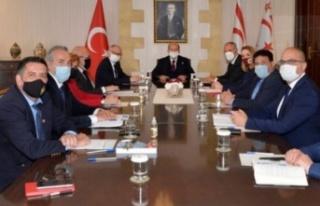 Cumhurbaşkanı Tatar, akademisyenlerle bir araya...