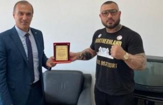 Demir yumruk' Metin Turunç'a Spor Dairesi'nden...