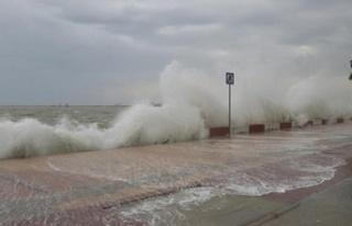 Denizdeki fırtına bugün de devam ediyor