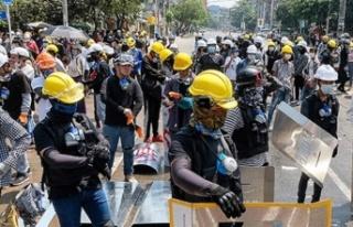 Myanmar'da darbe karşıtı gösterilerde 7 kişi...