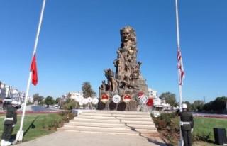 23 Nisan dolayısıyla Gazimağusa Zafer Anıtı'nda...