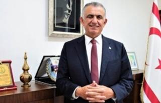 Bakan Çavuşoğlu, Dünya Veteriner Hekimler Günü...