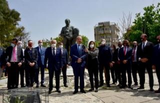 Cumhurbaşkanı Tatar, Dr. Küçük anıtı'nı...