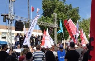 Kamuda örgütlü sendikalar meclis önünde eylem...