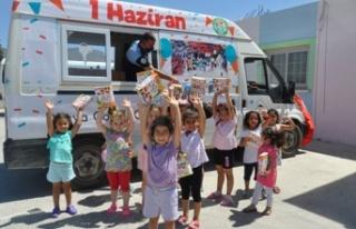 Değirmenlik Belediyesi, çocuklara hediye dağıttı