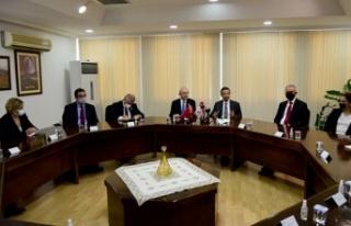 Dışişleri Bakanı Ertuğruloğlu, CHP Genel Başkanı...