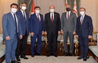 """Cumhurbaşkanı Tatar: """"Türksoy, Sanatçılarımızın..."""
