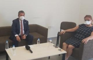 Üstel: Kıbrıs Türk Hemşireler ve Ebeler Sendikası'nı...