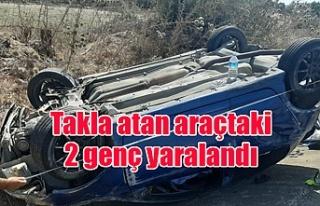 Takla atan araçtaki 2 genç yaralandı