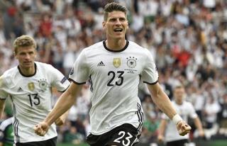 Almanya'yı Gomez uçurdu!