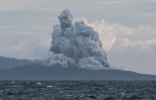 Anak Krakatau Yanardağı'nda bir günde 37 patlama...