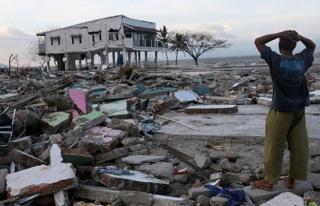Deprem ve tsunami 2 bin 73 can aldı
