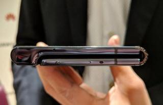 Huawei sonunda telefonunu resmen 'katladı'!
