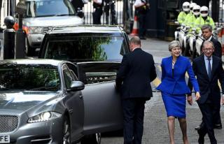İngiltere'de Yeni Kabine Oluşturuldu