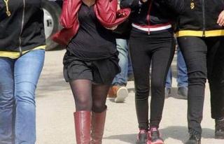 Kadın polislere fuhuş yaptıran kadın polis şoku!