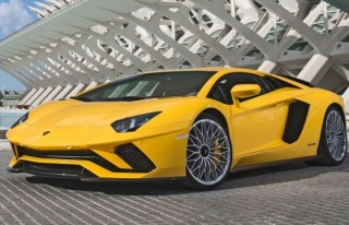 Lamborghini Aventador S güncellendi