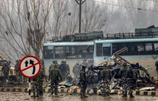 Pakistan'da saldırı! Çok sayıda asker hayatını...