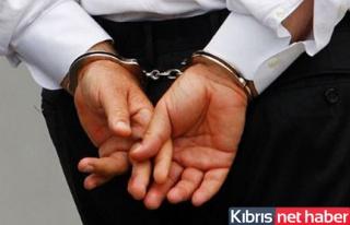 Sahte pasaportla çıkış yaparken tutuklandı