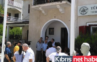 TAK'taki sansürü protesto ettiler