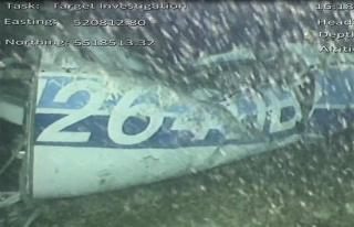 Uçağın Enkazında Bir Ceset Bulundu
