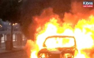 Turunçlu - İnönü kavşağı'nda araç yangını