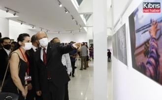 """Tatar """"ışıkla yolculuk"""" fotoğraf sergisinin açılışını yaptı"""