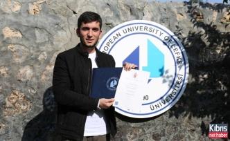 LAÜ öğrencisi çift diplomaalmaya hak kazandı
