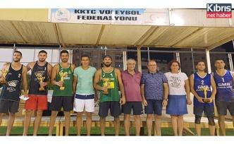 Şerife-Sıla ve Kemal-Ali Osman Şampiyon