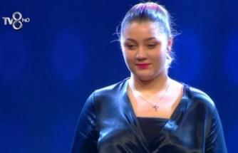 Kıbrıslı Türk Aysu Mişon O Ses Türkiye'de yarı finale yükseldi