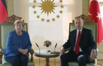 T.C Cumhurbaşkanı Erdoğan, Merkel ile görüştü