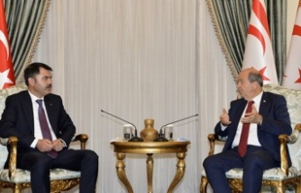Cumhurbaşkanı Tatar Türkiye'nin Çevre Ve Şehircilik Bakanı Kurum'u  Kabul Etti