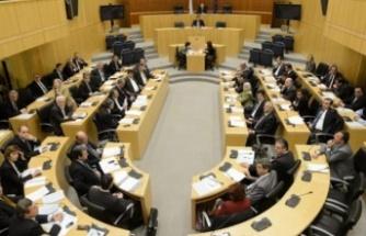 """Rum meclisi """"göçmenler"""" komitesinde Kıbrıs Türk malı kavgası"""